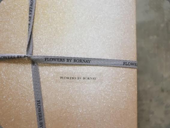packaging flowers by bornay1378251_518903454853592_2017481684_n