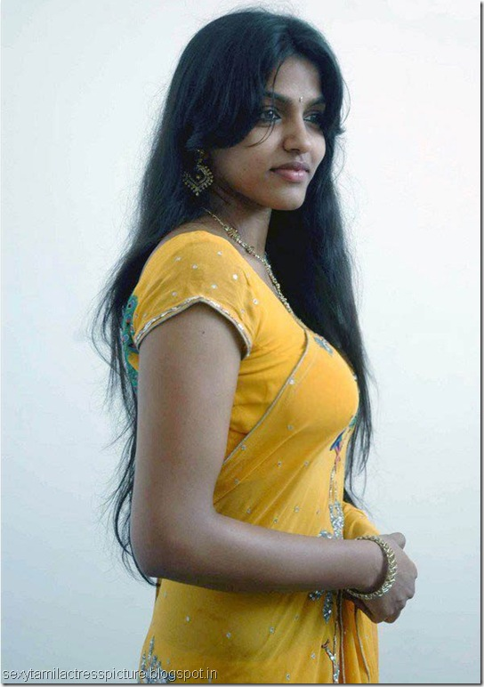 hot_dhansika_boobs_stills