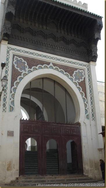 Puerta principal de la mezquita