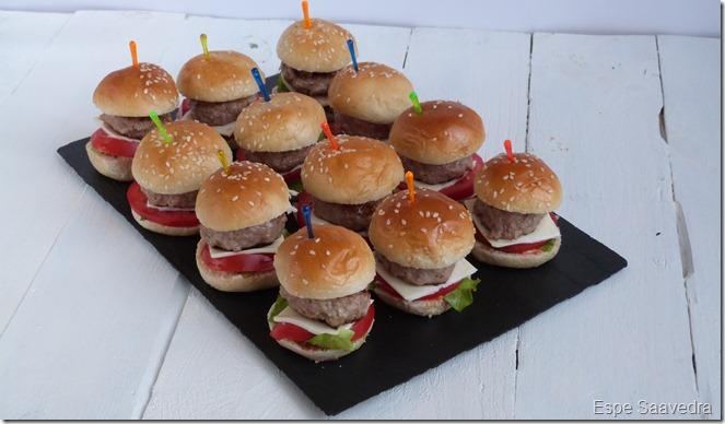 Espe saavedra en la cocina mini hamburguesas con cebolla for Canape de pate con cebolla caramelizada