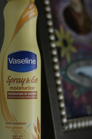Vaseline® Spray & Go® Moisturizer