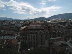 306 - Vistas desde la catedral de St. Pierre.JPG