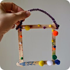 Popsicle stick picture frame @ whatilivefor.net