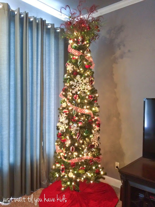 Christmas-Family-Room-Tree