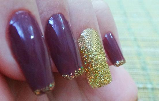unhas glitter dourado 1