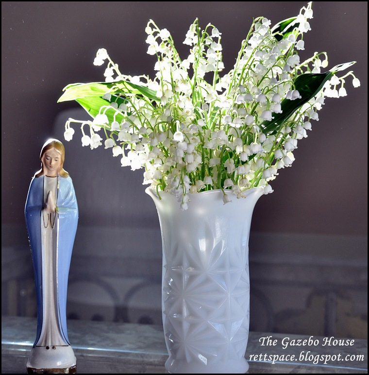 lilacs, front flowers, lily of the valley 021