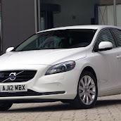 2013-Volvo-V40-New-12.jpg