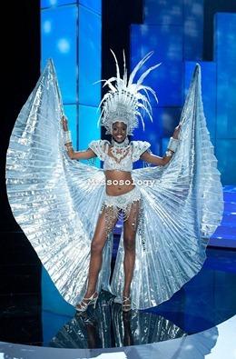 miss-uni-2011-costumes-6