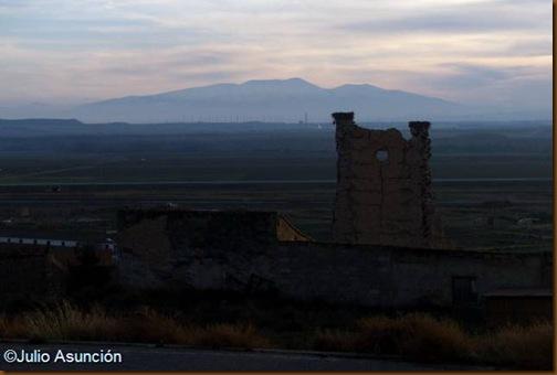 Vista de la Torraza con el Moncayo al fondo