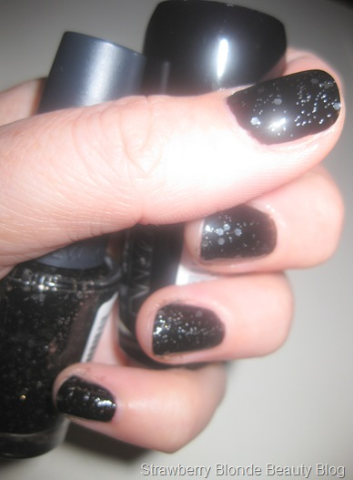 NYC_Rock_Muse_Black_Glitter_Smoky_Topcoat