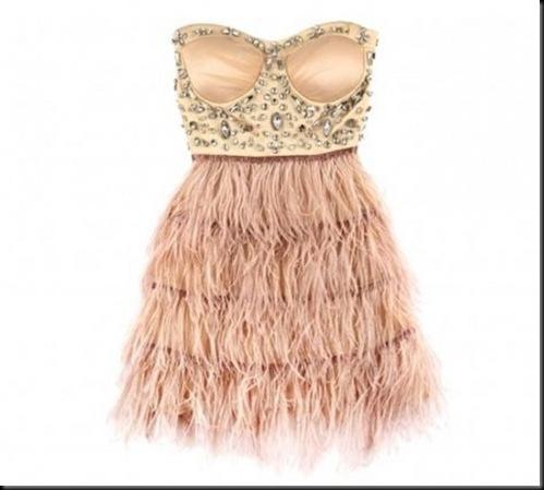 vestidos-low-cost-de-plumas-y-pedreria-bershka