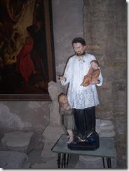 2013.05.04-013 statue en bois dans l'église
