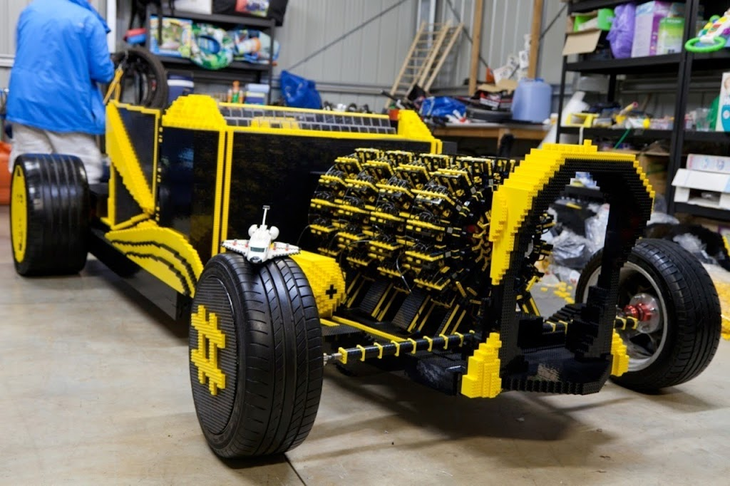 Super%252520Awesome%252520Micro%252520Project%252520Lego%252520Car%25252022 Holy Crap! Its a Drivable LEGO Car! [Video]