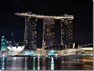 marina-sands-bay-at-night