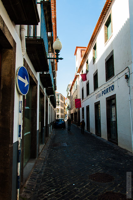 128. Февраль. Мадейра. Фуншал. Улочки города.