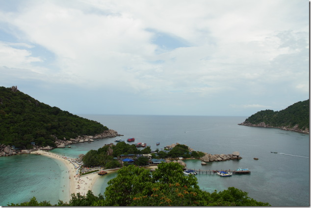Interconnected beaches of the 3 Nang Yuan Islands