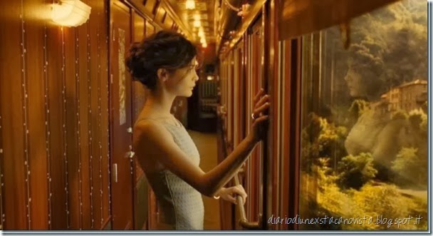 adrey tautou in train de nuit di jean-pierre jeunet 2009 chanel n5