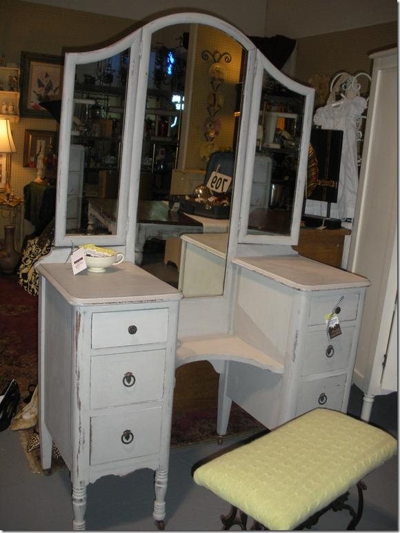 Vintage Restyled: Sweet Vanity Reveal