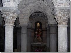 2012.06.05-021 crypte de la basilique Notre-Dame-du-Port