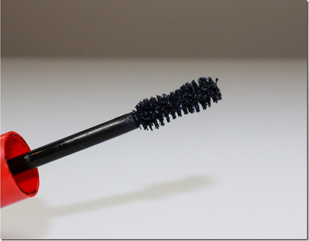 CoverGirl Flamed Out Mascara brush