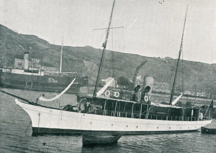 El MARQUES DE CHAVARRI. Foto de la MEMORIA DEL CURSO DE 1927 A 1928, de la Escuela Oficial de Náutica de Bilbao.jpg