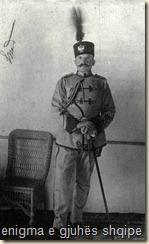 Esat Pash Toptani, ministër i luftës dhe i brendëshëm në fillimet e mbretërisë së Vidid