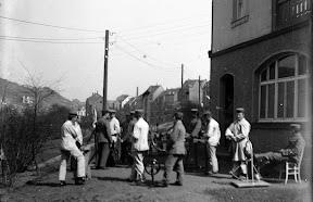 Patienten eines Lazaretts während des Ersten Weltkrieges, Scan vom Glasnegativ, ca. 1914 - 1918