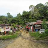 写真2: ビントゥル最大のスバタンのスクウォッター / Photo2: Sbatan, the largest squatter area in Bintulu