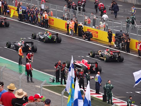 41. Start cursa Formula 1.JPG