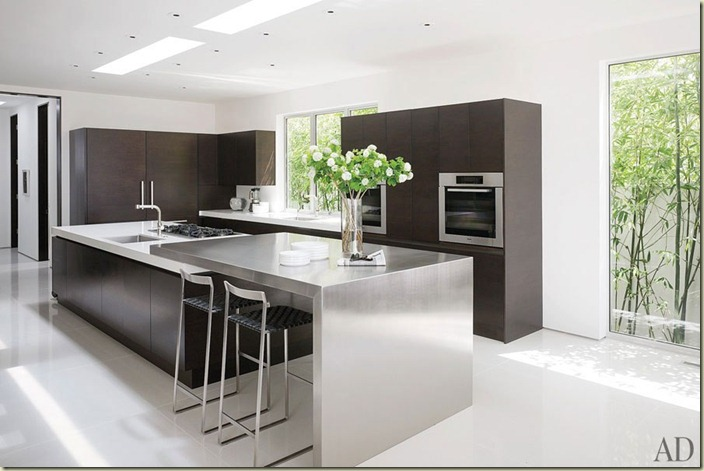 Magni m6_rendition_slideshowWideHorizontal_james-magni-design-beverly-hills-home-07-kitchen