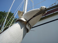 Mast spreader tip removal in process - 1/3