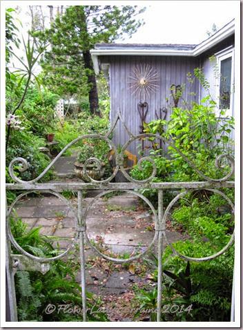 10-22-driveway-entry