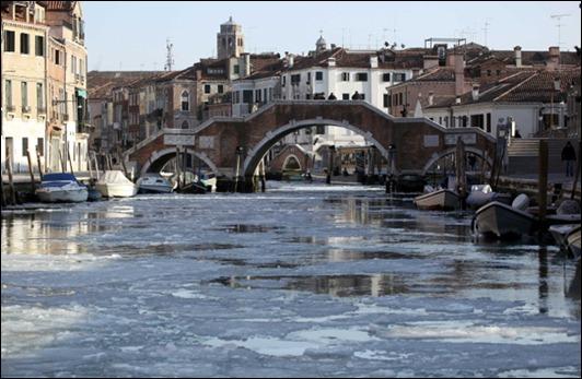 ITALY-/