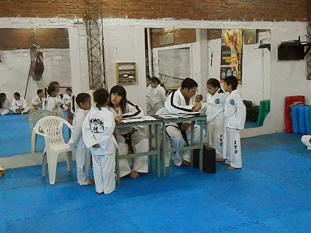 Examen Dic 2012 -154.jpg