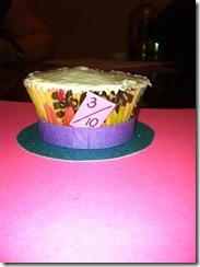 top hat cupcake