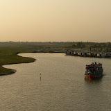 Sur la route pour Dakha - Traversee du Gange (10).JPG