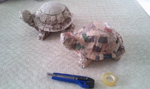 Esperimenti creativi copia della tartaruga in cartapesta for Carta per cartapesta