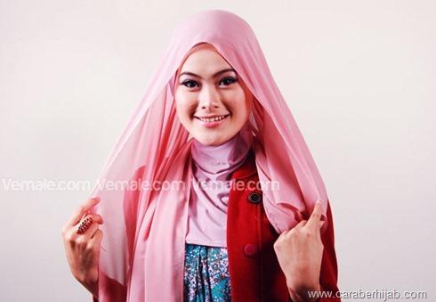 Cara Memakai Jilbab Segi Empat Simpel