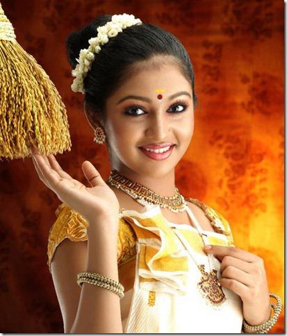 Lakshmi Menon in kerala saree