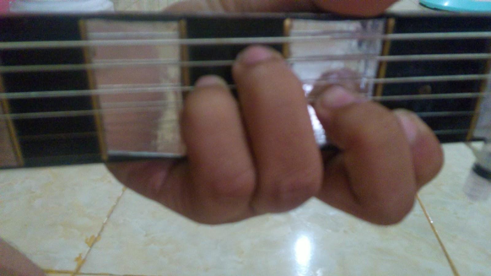 Ingin Tahu: Belajar gitar | kunci dasar gitar