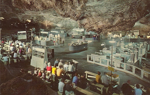 Carlsbad Caverns Underground Lunchroom: An Eatery 750 Feet Below ...
