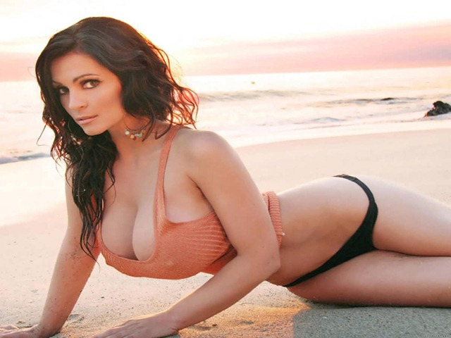 Denise_Milani__Wallpaper_Archive_Photo_Artist13