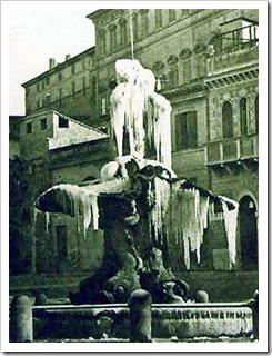 Fontana del Tritone ghiacciata. 1864