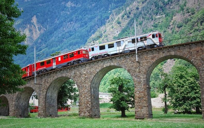 brusio-spiral-viaduct-5