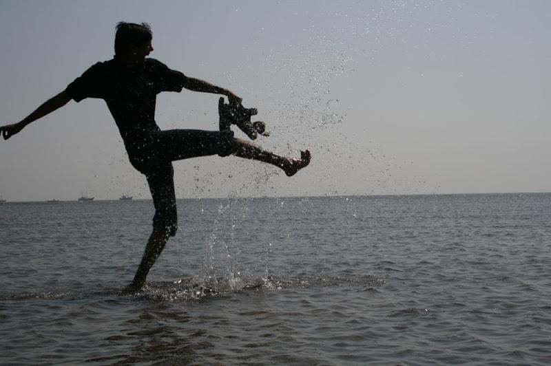 IMG_0571-Kick that fakeball.JPG