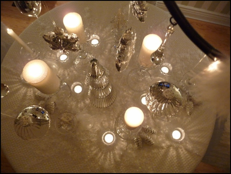 Christmas dining room 2011 angel wings 038 (800x600)