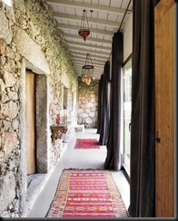Cool-Interior-Decoration-with-Rugs-at-Rustic-Home-Design-with-Rock-wall
