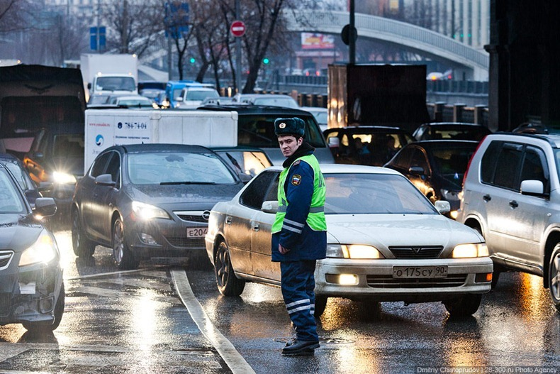 moscow-traffic-jam-01