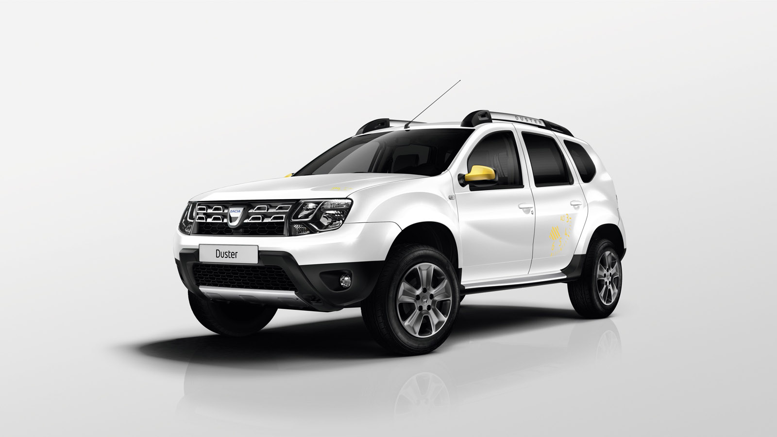 Yeni dacia duster air ve sandero black touch paris 39 te for Dacia duster interni 2014