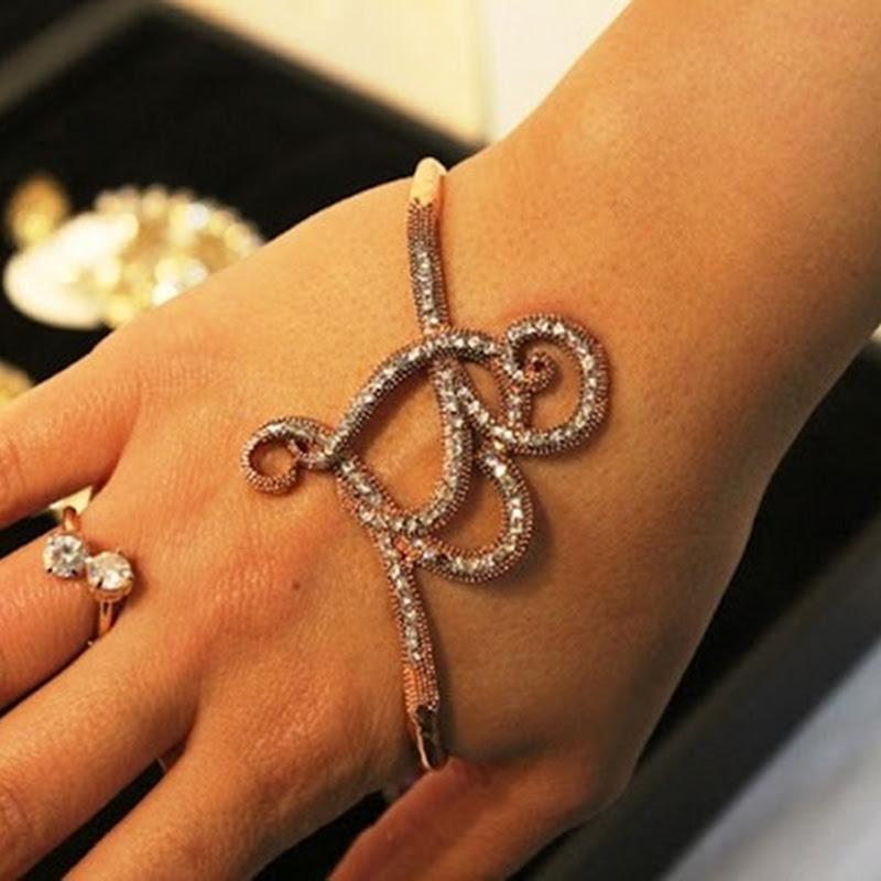 Pulseira de mão ou hand palm bracelet
